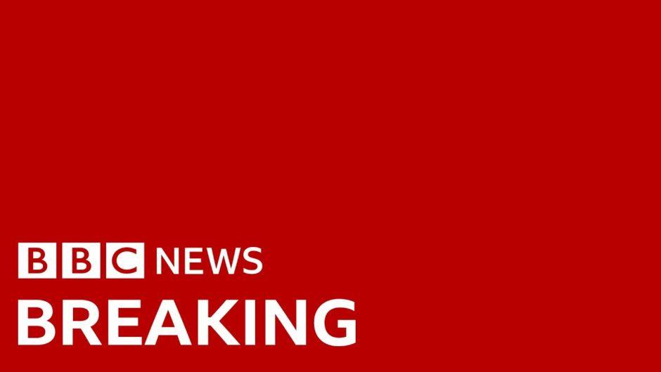 Coronavirus: Death toll in the UK reaches 422 – BBC News