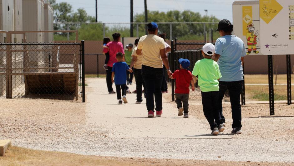 US must free migrant children from detention amid coronavirus: judge