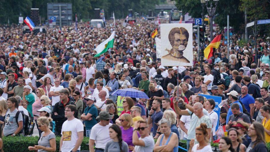 "Berlin police break up ""anti-coronavirus"" protest of 18,000"
