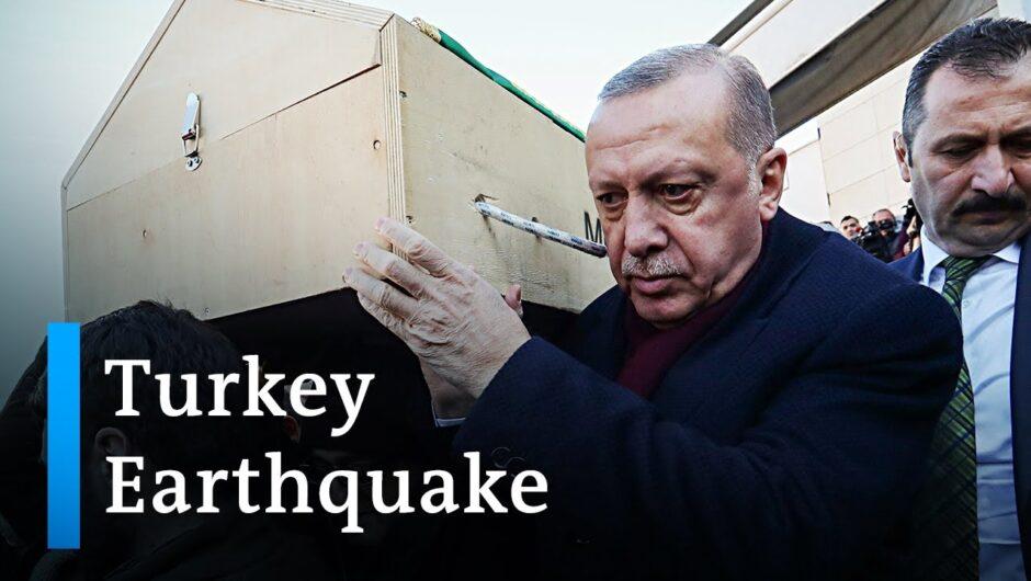 Turkey earthquake death toll rises | DW News