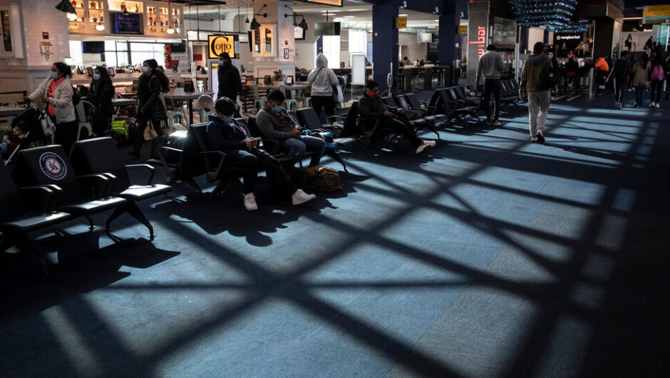 Covid-19 Live Updates: Thanksgiving Travel Drops as Americans Rethink Rituals