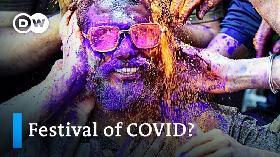 Indians ignore social distancing pleas at Holi Festival celebrations | DW News