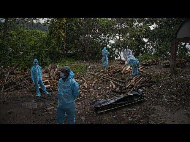 La India bate un récord de muertes por coronavirus con 3.689 fallecidos